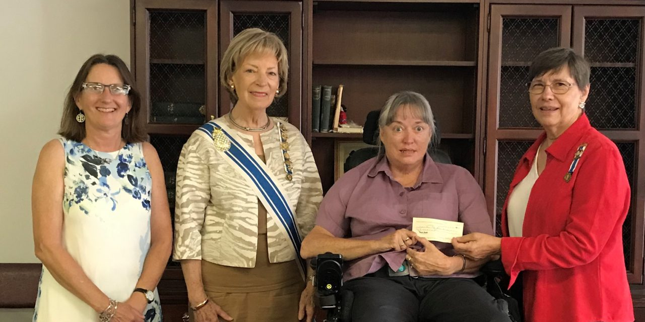 Northampton DAR donates to ESVA Heritage Center