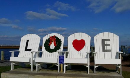 Chincoteague Chamber of Commerce announces new LOVE Chairs in Robert N. Reed Downtown Waterfront Park