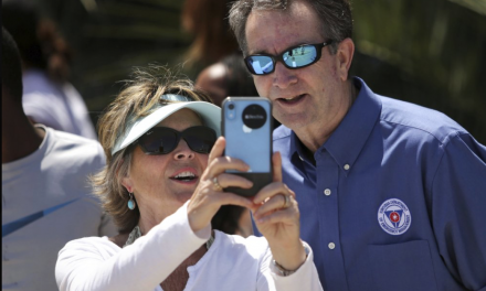 Critics chide Governor Northam for mask-less beach visit