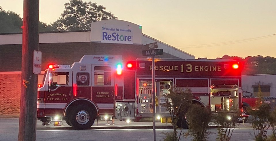 Units respond to morning fire at Habitat for Humanity Re-Store